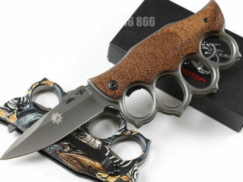 Нож / бокс сгъваем полуавтоматичен два модела с дървени чирени