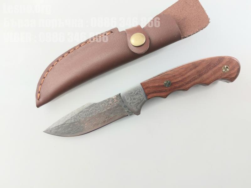 Ловен нож класически модел ръчно направен от дамаска японска стомана фултанг