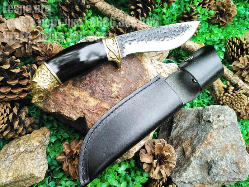 Ръчно направен ловен нож месингов гард и месингова глава на мечка