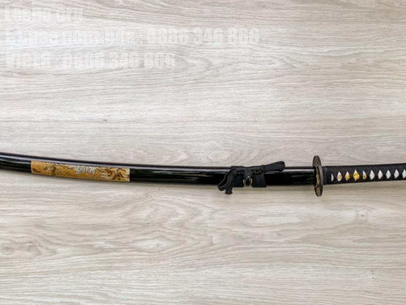 Японски меч от закалена въглеродна стомана