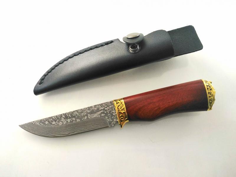 Ръчно направен ловен нож от дамаска стомана с месингови гардови инкрустиран Феникс