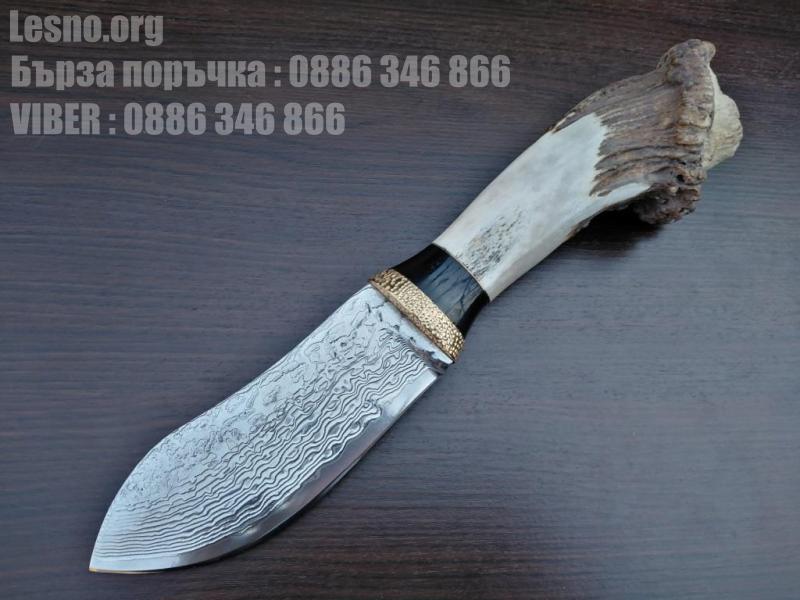 Ръчно направен ловен нож от дамаска стомана с VG 10 сърцевина и еленов рог дръжка