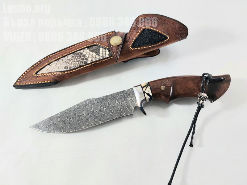Ръчно направен ловен нож от кована дамаска стомана с дръжка от сандалово дърво и кориан