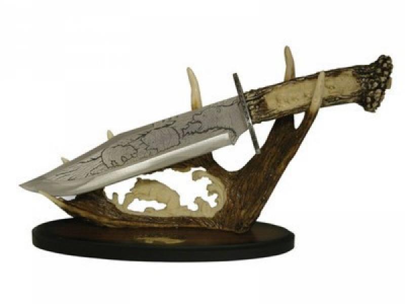 Колекционерски нож с атрактивен и впечатляващ дизайн гравирана Мечка