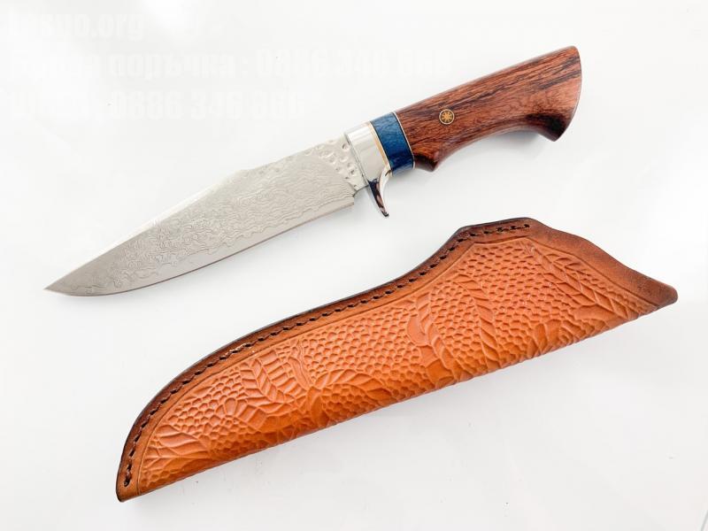 Ловен нож от японска дамаска стомана , дръжка от сандалово дърво